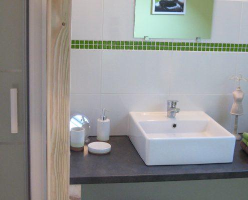 salle-d-eau-chambre-hotes-champetre-le-clos-de-la-roche-goven-ille-et-vilaine-bretagne